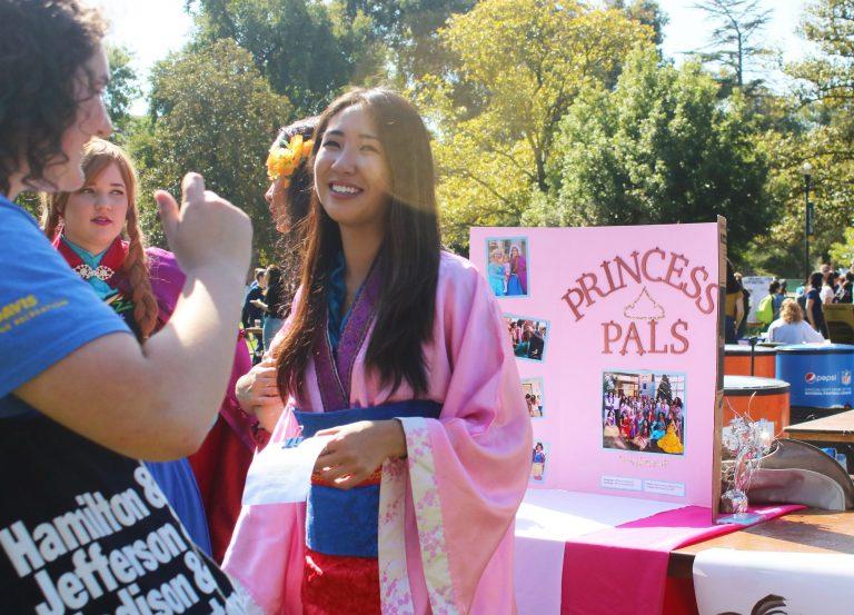 Photo of Student Organizations Tabling